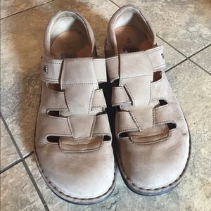 Suede Finn Comfort Germany shoes sz 39